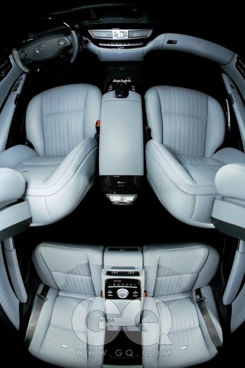 메르세데스-벤츠 S600L 디지뇨. 6리터 바이터보 12기통 엔진,517마력/84.6kg·m, 4인승,  3억3천5백만원.