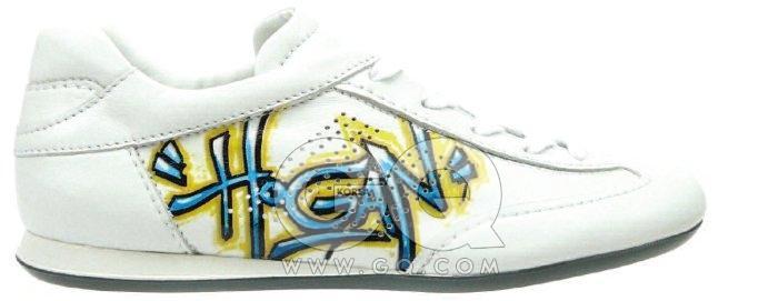 마음씨 고운 이 신발의 이름은 '올림피아'로, 2004년에 처음출시됐다. 밀라노의 거리에선, 나이키운동화만큼 찾기 쉬운 신발이다.