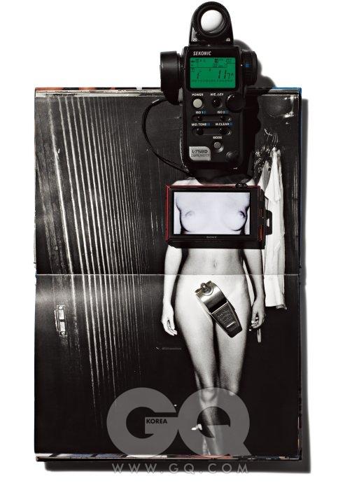 마리오 테스티노, , Amber Valetta, Rio De Janeiro 머리 위 노출계는L-758D, 75만원, 세코닉 by 반도카메라. 가슴 위 디지털 카메라는 사이버샷T900, 30만원대 중반, 소니. 바로 아래 호루라기는 썬더러, 1만원대, 애크미.