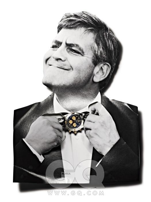GEORGE CLOONEY 자동 크로노그래프 칼리버 B01 무브먼트가 내장된 시계는 크로노맷 비제로원 1천38만원, 브라이틀링.