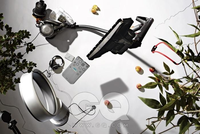 진공청소기 DC29는 최저가 44만원대, 다이슨. 외장하드 라이프 스튜디오 모바일 흰색과 회색은 최저가 10만원대 후반, 히타치GST. 하이엔드 헤드폰 HD800은 최저가 1백59만원대, 젠하이저. 헤드폰 PS-320은 18만원, 피아톤 by 이어폰샵. 에어 멀티플라이어 10인치는 최저가 43만원대, 다이슨. 사냥전문가용 새총 3055레이저호크는 최저가 2만4천원대, 마크스맨. 헤드폰 P5는 53만9천원, 바우어앤윌킨스 by 이어폰샵.
