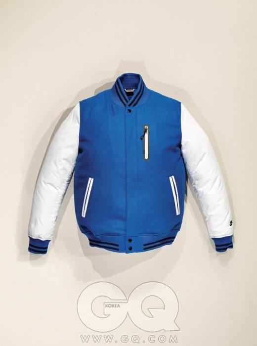 NIKE 청량한 파란색이 돋보이는 디스트로이어 재킷 가격 미정, 나이키.