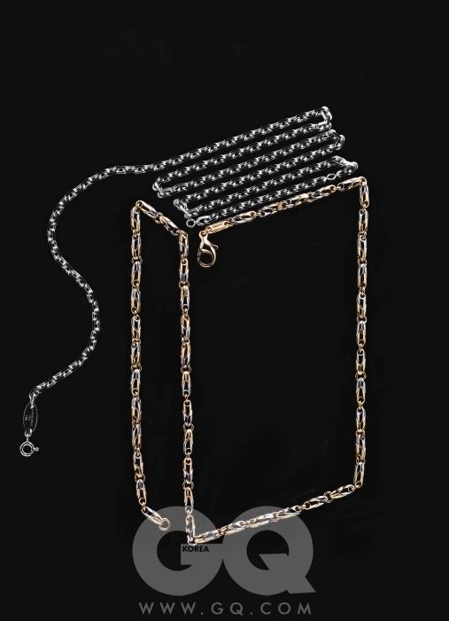 옐로 골드와 스틸 콤비 까데네 체인 4백60만원(40cm), 불가리. 화이트 골드 체인 4백30만원(55cm), 쇼메.