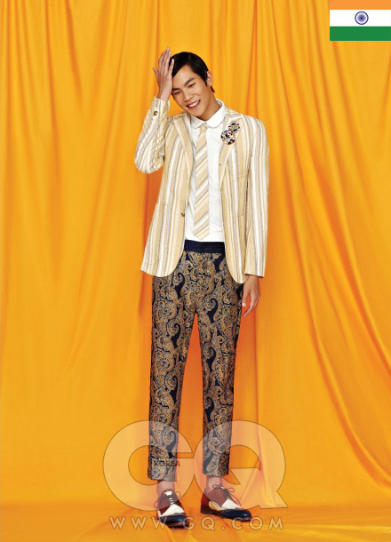 INDIA 줄무늬 재킷 86만5천원, 줄무늬 타이 17만5천원, 라운드 칼라 셔츠 22만8천원, 모두 로리엣. 스팽글 브로치 10만원(3개), KTZ by 어딕티드. 실크 팬츠 12만9천원, 자라. 스펙테이터 슈즈 1백만원대, 발리.