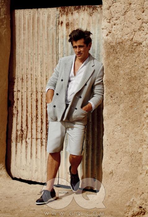 재킷 7백65유로,팬츠 5백90유로,셔츠 가격 미정,운동화 5백20유로,모두 엠포리오아르마니.