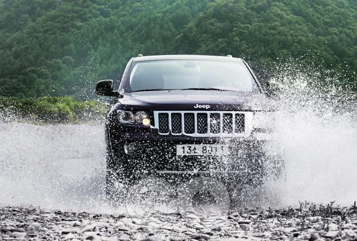 엔진 3,604cc V6 가솔린최고출력 286마력최대토크 35.9kg.m공인연비 리터당 7.7킬로미터6.9초0->100km/h N/A가격 6천8백40만원