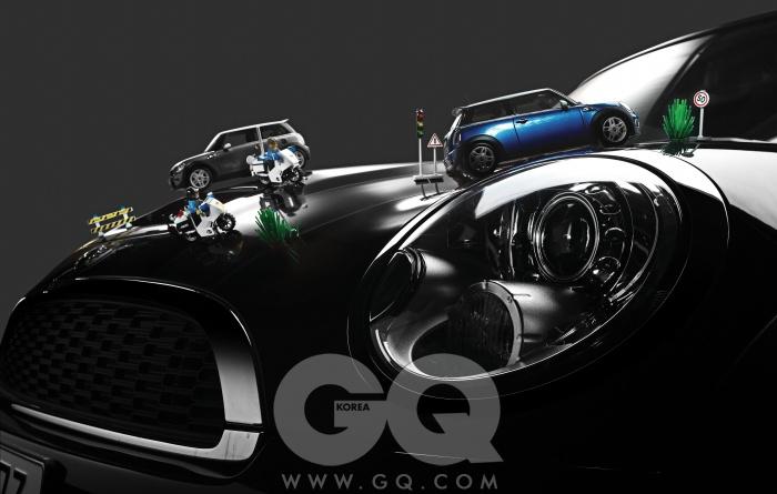 엔진 1,598cc 직렬 4기통 가솔린최고출력 211마력 최대토크 26.5kg.m 공인연비 리터당 11.6킬로미터 0->100km/h 6.7초 가격 4천5백만원