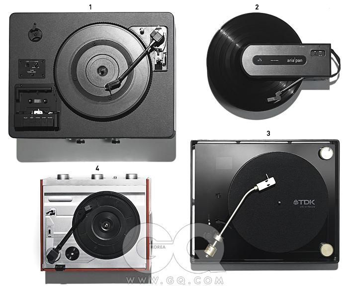 왼쪽부터 시계방향으로) 1 티악 LP-R550 2 스카이디지털 아리아 판 3 TDK XA-2002 4 젠슨 JTA-220