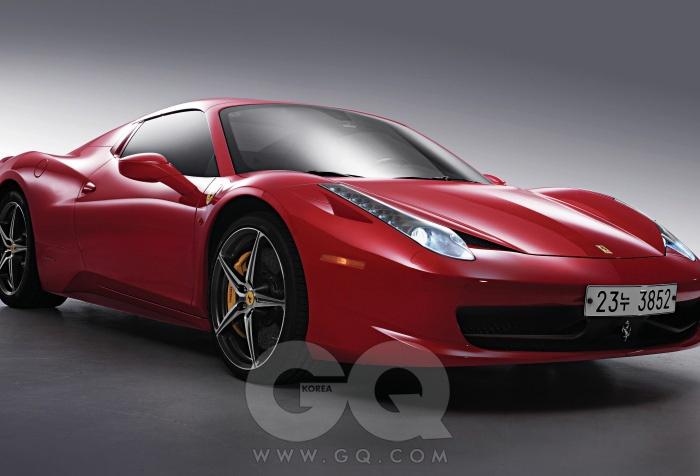 엔진4,497cc V8 가솔린최고출력565마력최대토크55kg.m공인연비리터당 5.6킬로미터0->100km/h3.4초가격4억 2천만원
