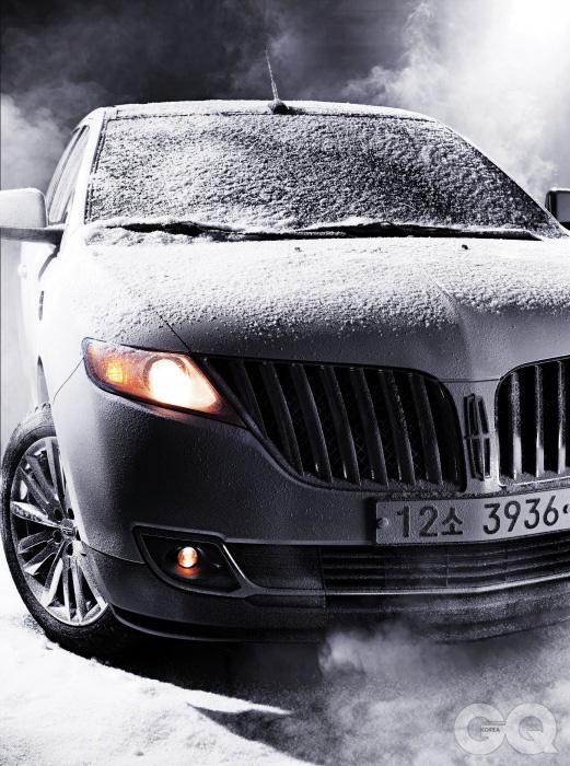 엔진 V6 3.7리터 가솔린최고출력 309마력최대토크 38.7kg.m공인연비 리터당 7.7킬로미터0->100km/h N/A가격 5천4백60만원