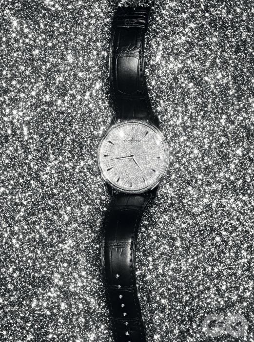 7백62개 다이아몬드가 세팅된 마스터 그랑 울트라 씬 시계 6천2백만원대, 예거 르쿨트르.
