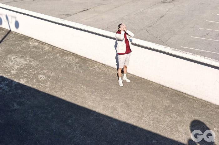Eastlogue 초어 재킷 39만5천원, 아노락 53만3천원, 패치워크 셔츠 22만7천원, 베스트 24만2천원, 쇼츠 24만9천원, 모두 이스트로그 by 스컬프. 척테일러 1970S 7만5천원, 컨버스.