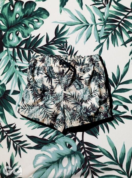 부드러운 펜으로 그린 것 같은 나뭇잎이 있는 트렁크 수영복 가격 미정, 몽클레르