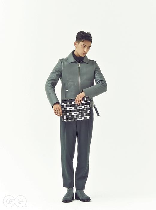 필리아스 클립클러치 1백만원대,발렌시아가. 가죽 재킷,스웨터, 팬츠, 부츠 가격 미정,모두 발렌시아가.