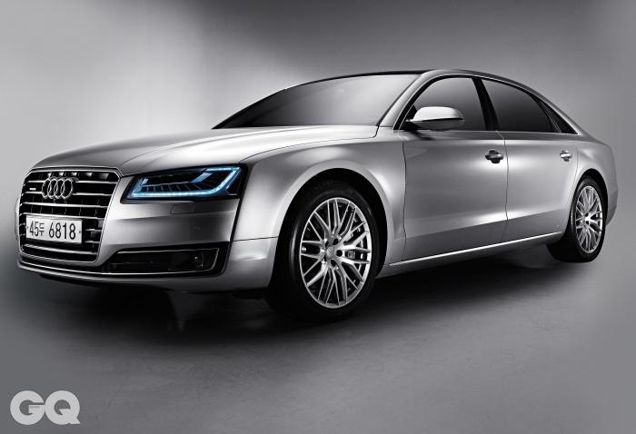 엔진 4,134cc V8 디젤직분사 트윈터보차저.최고출력 385마력.최대토크 86.7kg.m.공인연비 리터당 10.9킬로미터.0->100km/h 4.9초.가격 1억 6천4백90만~1억 7천8백40만원.
