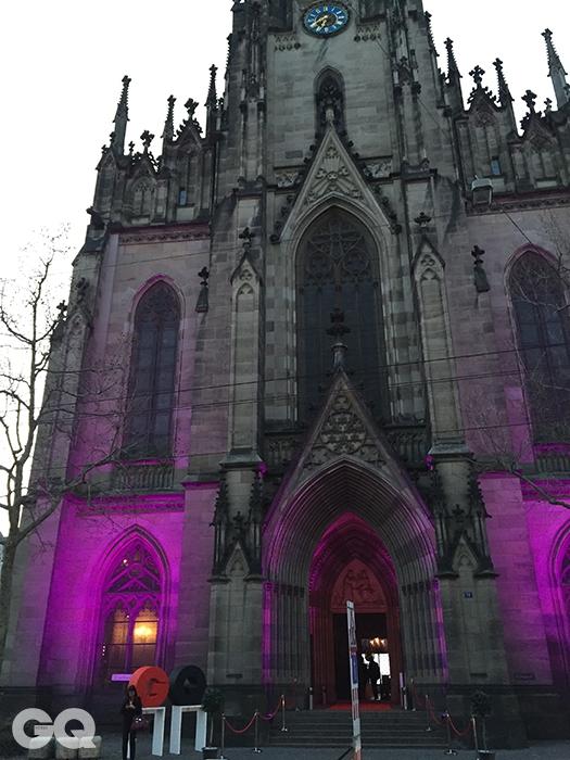 GQ 파티가 열린 바젤 시내의 엘리자베스 교회.