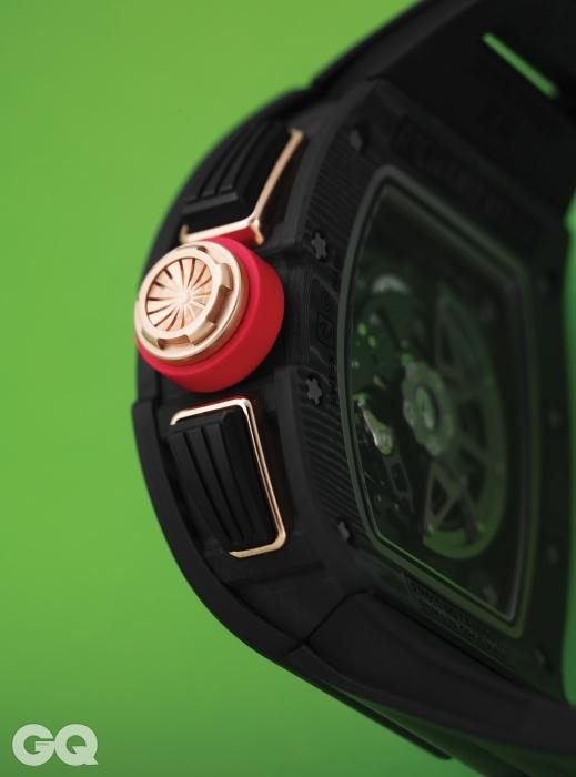 티타늄 소재 용두가 달린 시계 RM011 가격 미정, 리차드 밀.