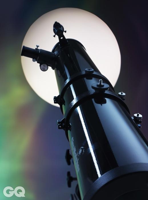 스카이워쳐 BK 1149EQ2반사 망원경을 처음 사용하면 광축을 맞추는 데 애를 먹는다. BK 1149EQ2는 입문자가 연습용으로 사용하기 알맞다. 20만원대의 저렴한 가격으로 적도의식 마운트까지 공부할 수 있다.