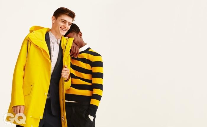 왼쪽부터 | 옐로 점퍼 €2,600, 줄무늬 셔츠 €530, 수트 재킷 €2,100, 수트 팬츠 €510, 줄무늬 니트 €980, 화이트 셔츠 €420, 줄무늬 팬츠 €580,모두 디올 옴므.