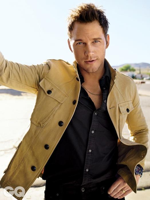 재킷과 셔츠, 진은 모두 랄프 로렌, 시계는 랄프 로렌 파인 워치 메이킹, 목걸이는 자일스 & 브라더.