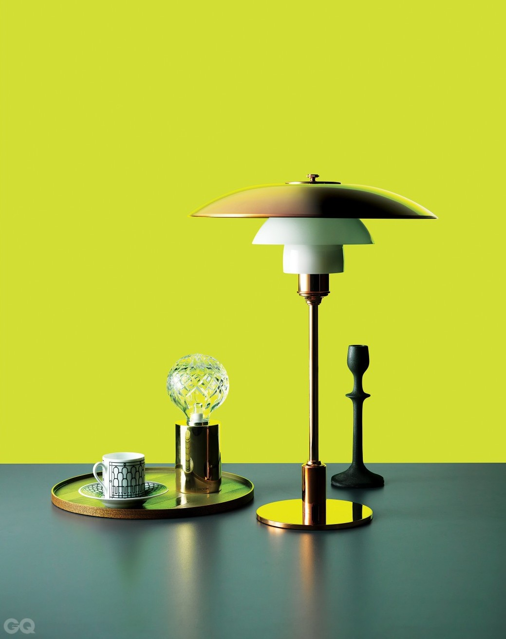 덴마크 디자이너 폴 헤닝센이 1920년대에 발표한 조명 시리즈 중 ...