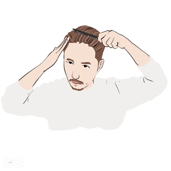 05 빗을 사용해 머리를 단정하게 정리한다. 빗질은 처음 방향대로 사선으로 한다. 짧은 옆머리는 손끝에 포마드를 발라 지긋이 눌러 정리한다.