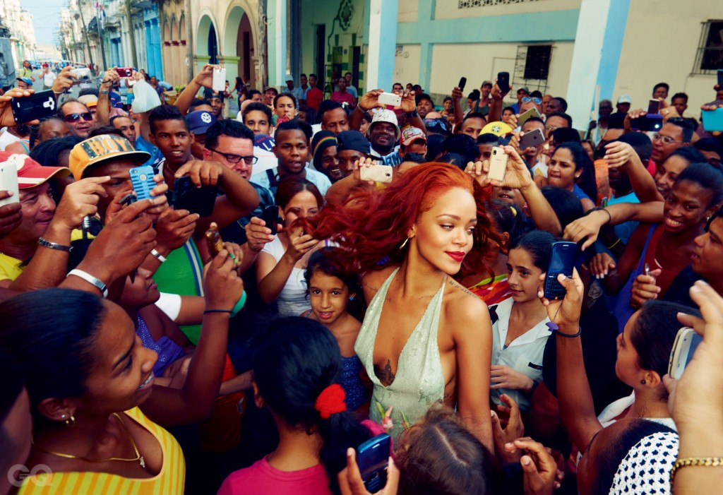 SCENE AND HEARD           Fans surround Rihanna in Old Havana.