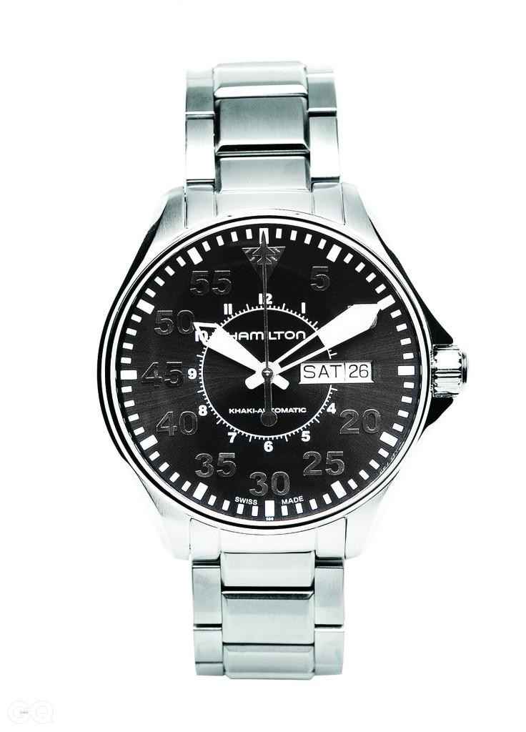 제123 전투비행대대의 시계 초침은 끝부분을 전투기 모양으로 특별 제작했다.