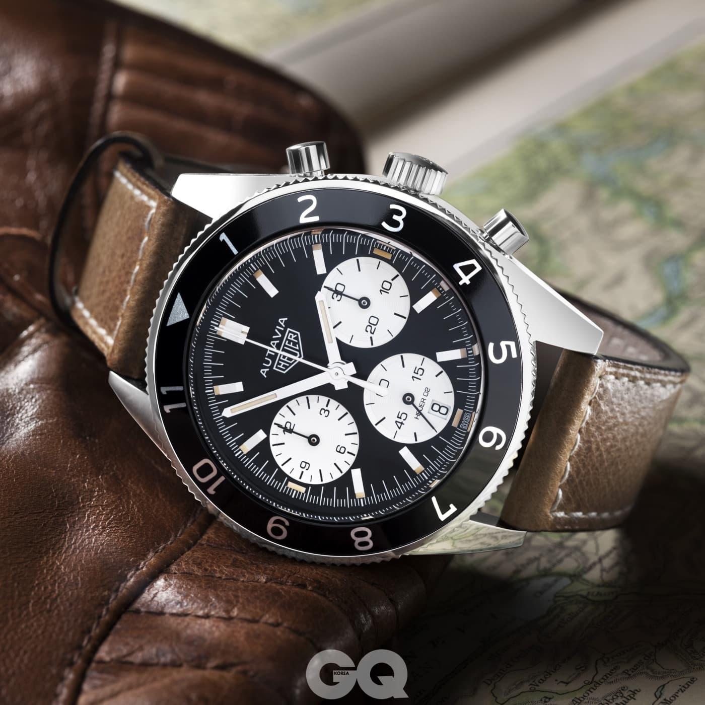 1962년의 시계를 리바이벌한 태그호이어 오타비아.