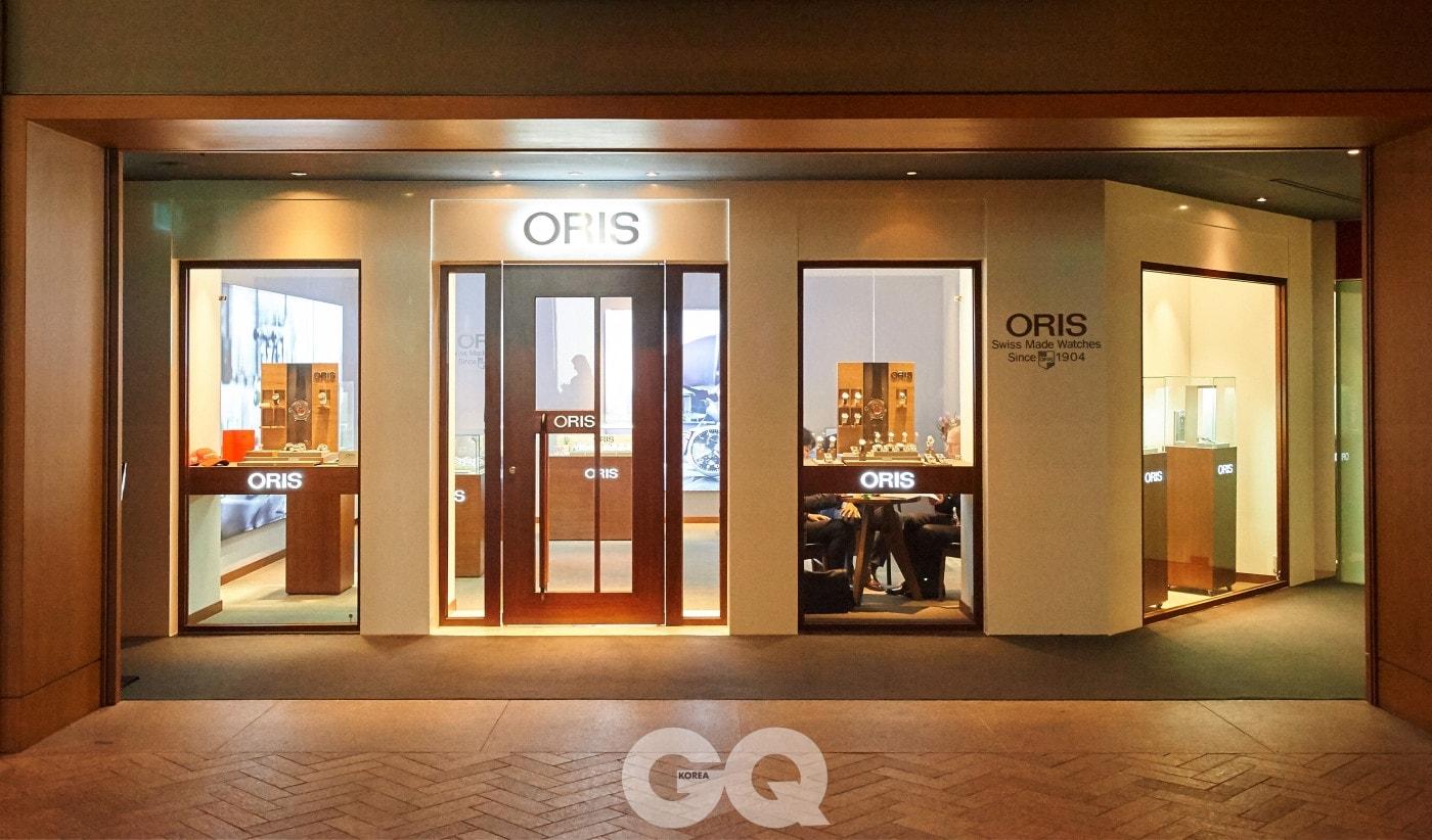 서울 남산에 위치한 그랜드하얏트서울 호텔 1층에 자리잡은 오리스 부티크.