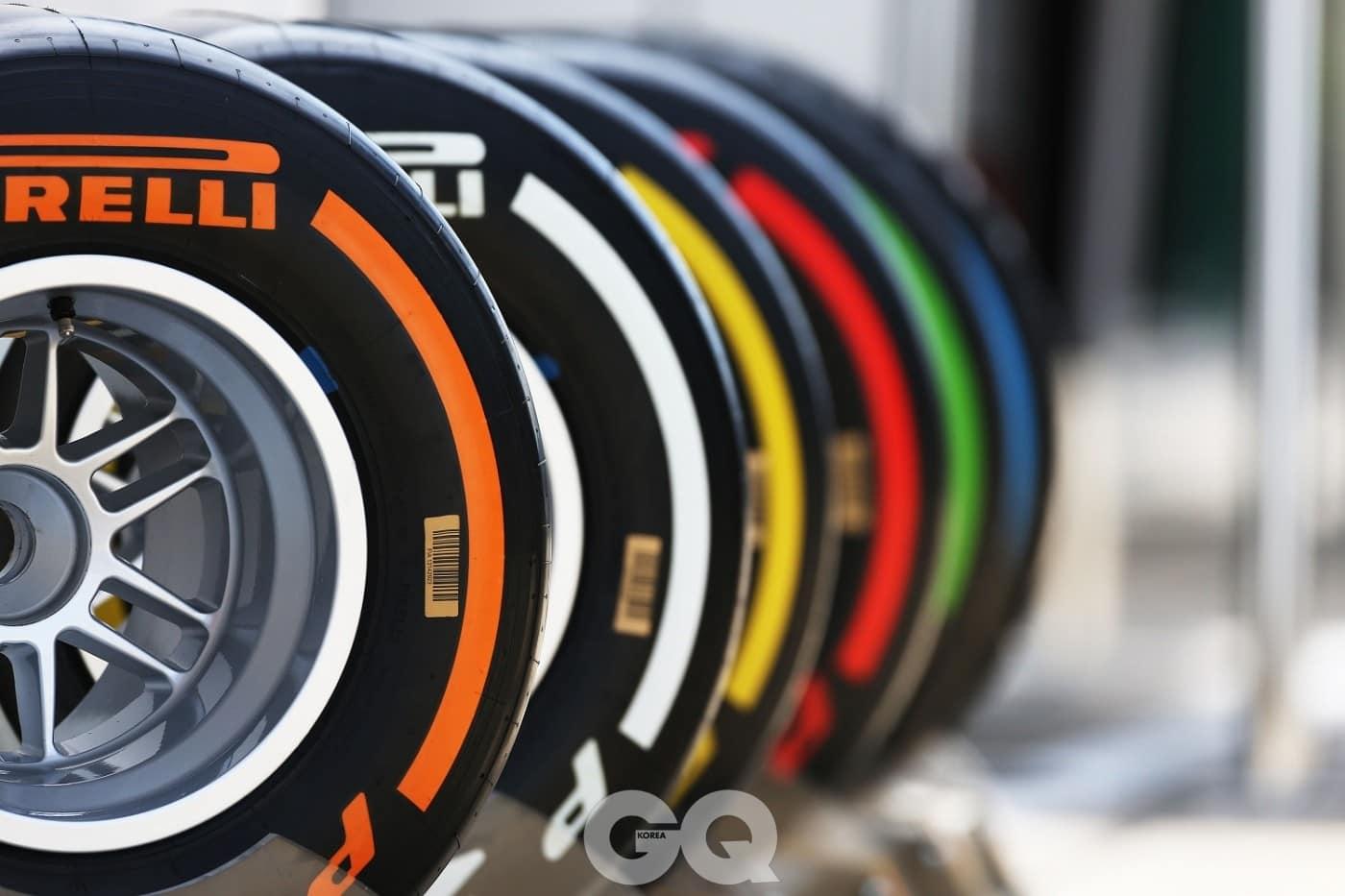 로저드뷔와 협업한 세계적인 타이어 제조사 피렐리의 고유한 컬러 코드.