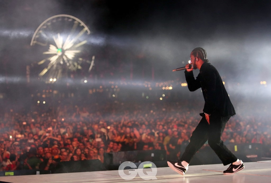 INDIO, CA - APRIL 16:  Rapper Kendrick Lamar performs on the Coachella Stage during day 3 of the Coachella Valley Music And Arts Festival (Weekend 1) at the Empire Polo Club on April 16, 2017 in Indio, California.  (Photo by Christopher Polk/Getty Images for Coachella)