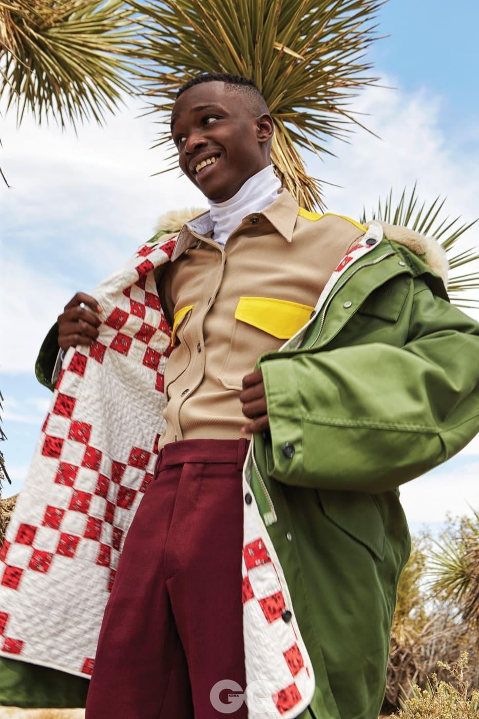 그린 파카 가격 미정, 셔츠 가격 미정, 버건디 팬츠 가격 미정, 화이트 터틀넥 30만원대, 모두 캘빈클라인 205W39NYC.