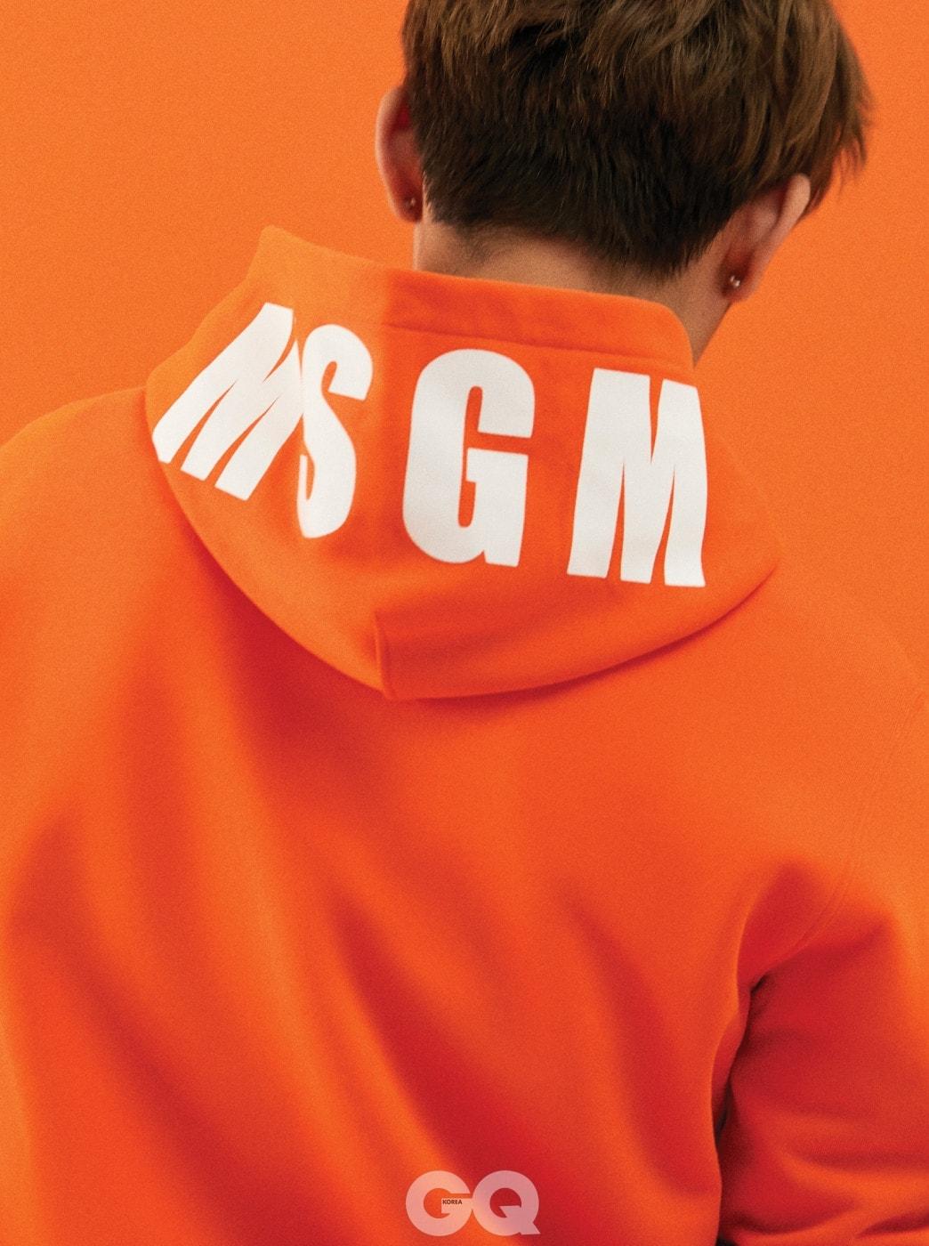 오렌지색 후디, MSGM.