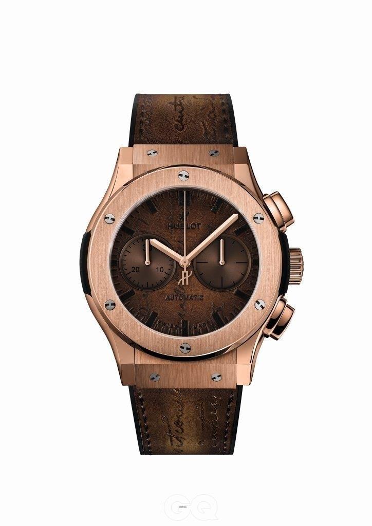 가죽 전문 브랜드와 시계 브랜드의 협업은 기존에도 있었지만, 특정 브랜드의 가죽을 다이얼에도 적용한 시계는 찾아보기 어려웠다.