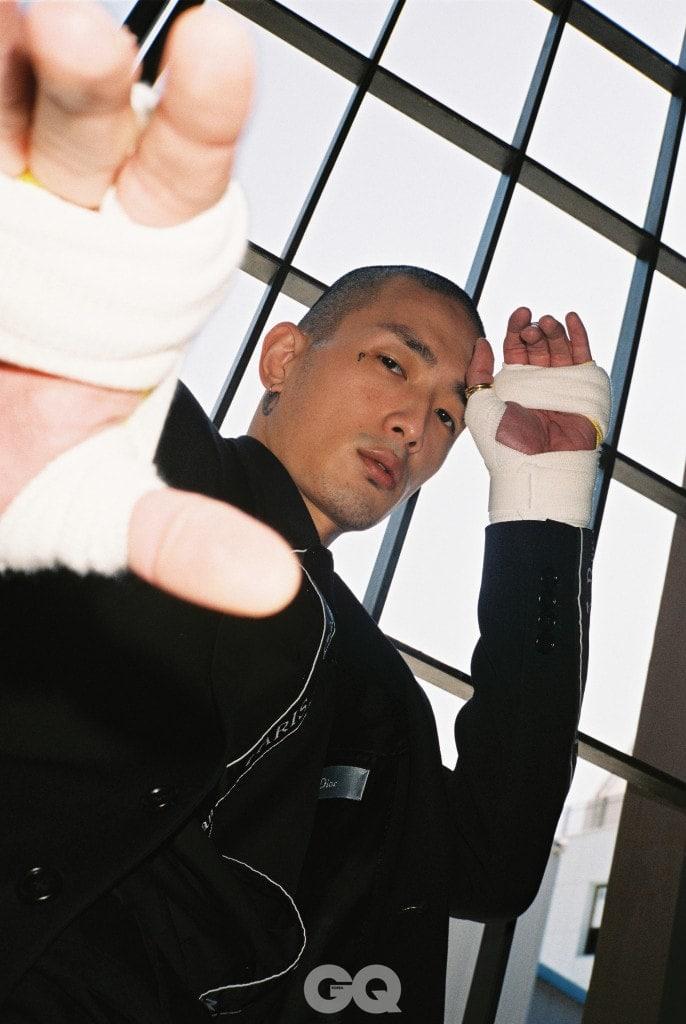 로고 테이핑 재킷 3백10만원, 로고 테이핑 셔츠 가격 미정, 모두  디올 옴므.