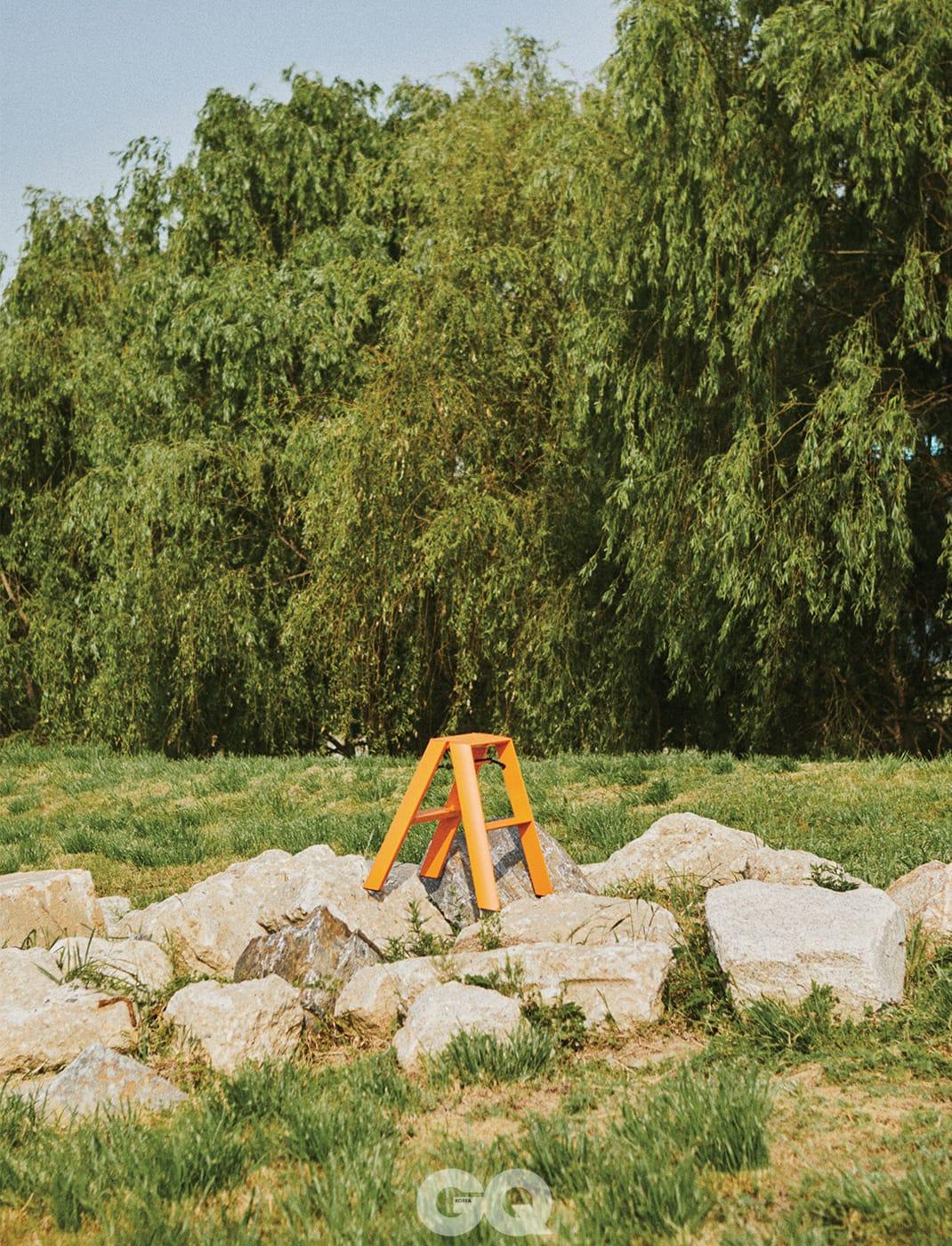 루카노 투스텝 스툴 13만9천원, 메타피스 at 빌라토브.