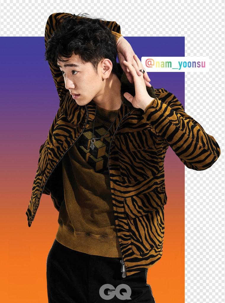 지브라 패턴 재킷, 큐브 티셔츠, 스티칭 팬츠, 네크리스, 링 가격 미정, 모두 보테가 베네타.
