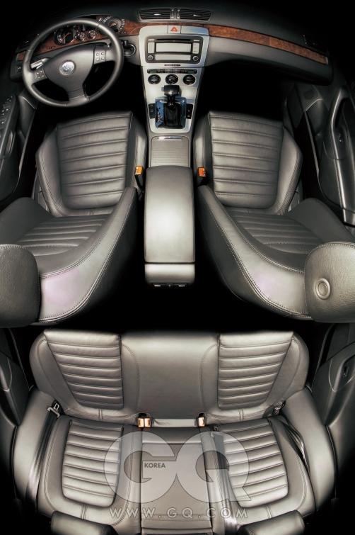 폭스바겐 파사트 TDI 스포츠. 2리터 디젤 4기통 엔진, 170마력/35.7kg·m, 5인승,  가격은 미정.