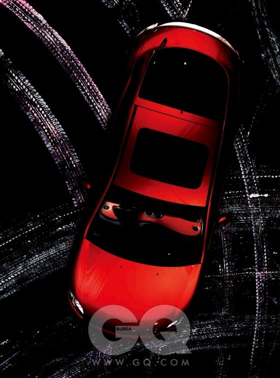 미쓰비시 이클립스. 2.4리터 4기통 가솔린 엔진, 165마력 22.4토크, 3천7백90만원.