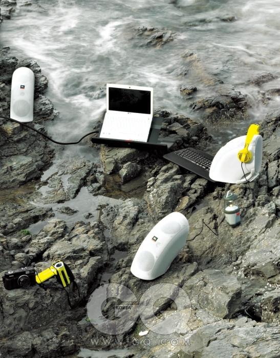 헤드폰, 키보드, 스피커, 노트북