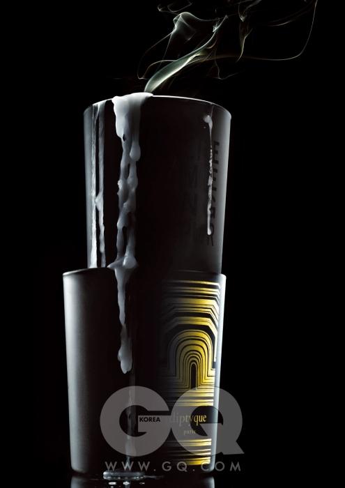위부터 일랑일랑 꽃향을 담은 센티드캔들 7만원(140g),라꽁빠니드프로방스.앰버 향 크리스마스에디션 향초가격 미정, 딥디크.