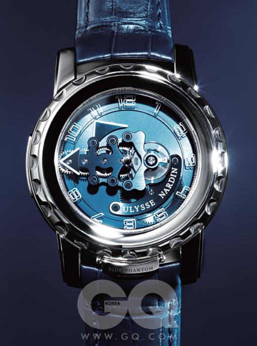 무브먼트가 직접 돌아가면서 시간을 가리키는 투르비옹 시계 프릭 블루 팬텀 1억원대, 율리스 나르덴.