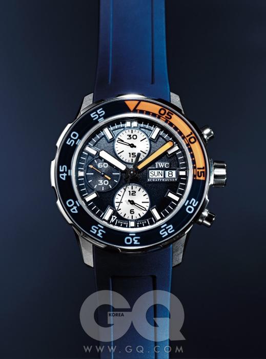 바닷속에서도 사용할 수 있는 크로노그래프 기능이 장착된 44mm 케이스 시계 아쿠아타이머 크로노그래프 가격 미정, IWC.