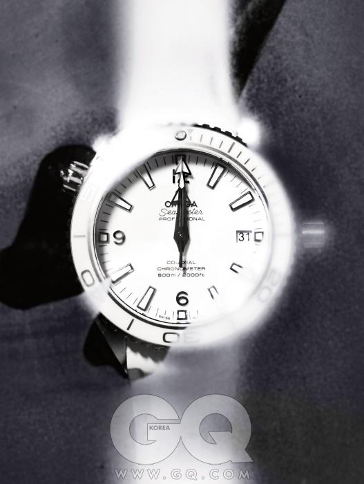 러버 스트랩다이버 시계씨마스터뉴 플래닛 오션코-액시얼 85006백70만원,오메가.