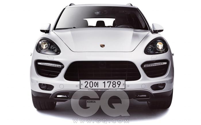 엔진 4,806cc V8 가솔린최고출력 550마력최대토크 76.5kg.m공인연비 N/A0->100km/h 4.5초가격 1억 8천3백70만원
