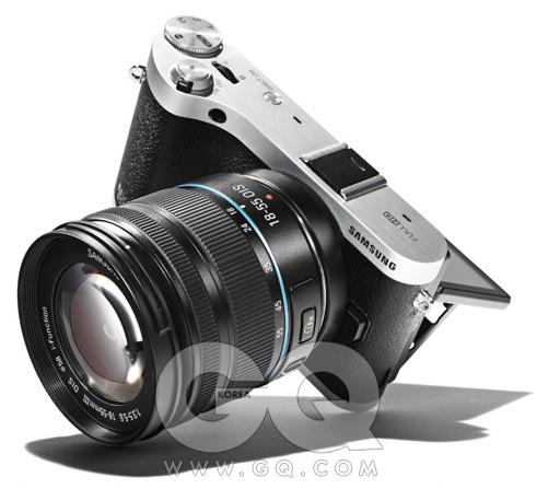 RATING★★★★☆FOR흰 카메라든 검은카메라든 사진만 잘찍으면 된다.