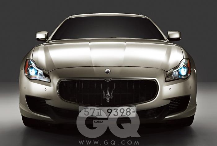엔진 3,798cc V8 가솔린최고출력 530마력최대토크 66kg.m공인연비 N/A0->100km/h 4.7초가격 2억 1천6백만~2억 4천5백만원