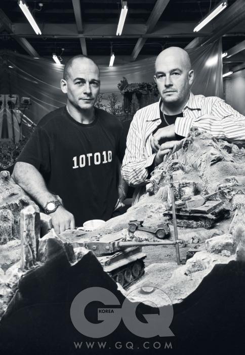 형 디노스채프먼(왼쪽)과동생 제이크채프먼(오른쪽).