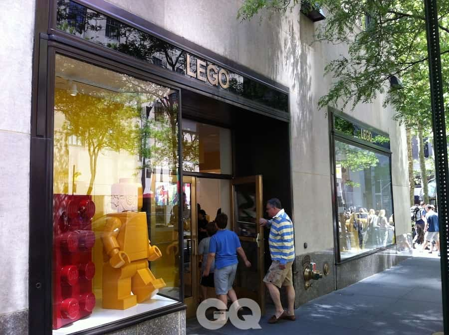 110525_lego_store_nyc2